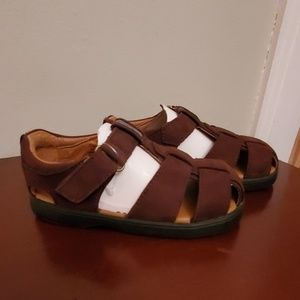 NWT brown nubuck sandals